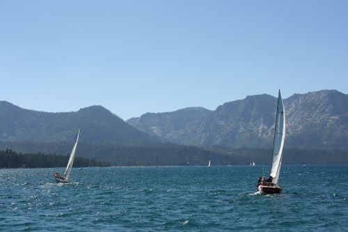 the-party-boat-lake-tahoe-scenery_24