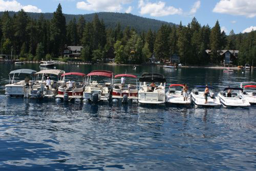 the-party-boat-lake-tahoe-scenery_31